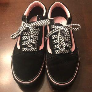 Black/Pink Vans